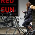 自転車での片耳イヤホンは禁止か?都道府県別で紹介【東京・千葉・埼玉・京都・愛知・北海道】