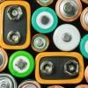 モバイルバッテリーは充電池式か乾電池式どっちがオススメ?メリットとデメリットで比較!